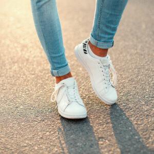 100均「ダイソー」「セリア」の伸びる靴紐がオススメ!スニーカーリメイクの極意