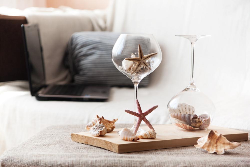 グラスと貝殻