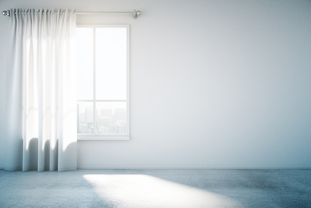 白い部屋と大きな窓