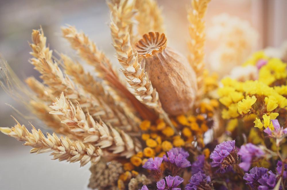 ケシや小麦が入ったドライフラワー
