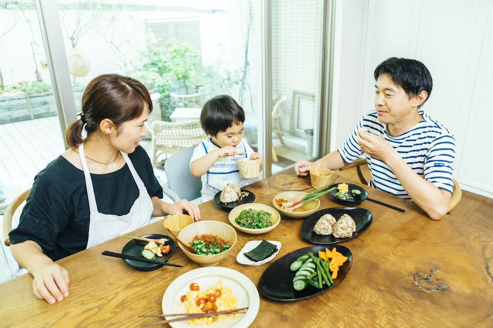 料理研究家・植松良枝さんファミリーの朝ごはん風景