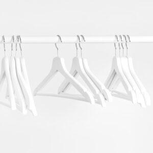 ハンガーは洗濯用と収納用で分けた方が良い?服を長く着るために大切なこと