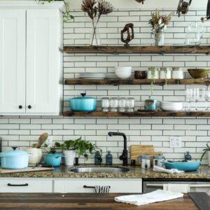 DIYでキッチンが見違える!賃貸でもできるDIY法・おしゃれにするコツとは?