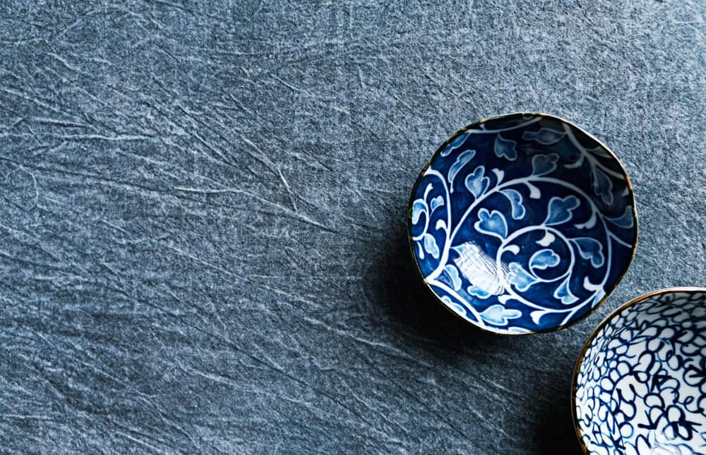 2つの青い陶器