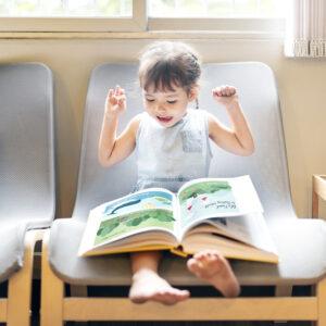 絵本の収納方法を見直そう!子どもが自然と読みたくなるおしゃれなまとめ方を紹介
