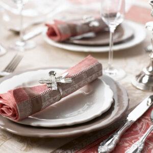 テーブルコーディネートで食卓をおしゃれに。初心者でもできるコツとは?