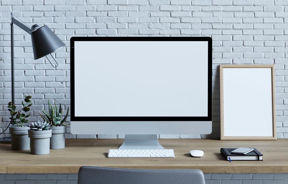 白のデスクトップPC