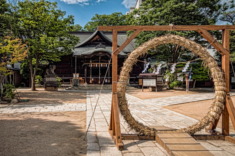 神社に設置された茅の輪