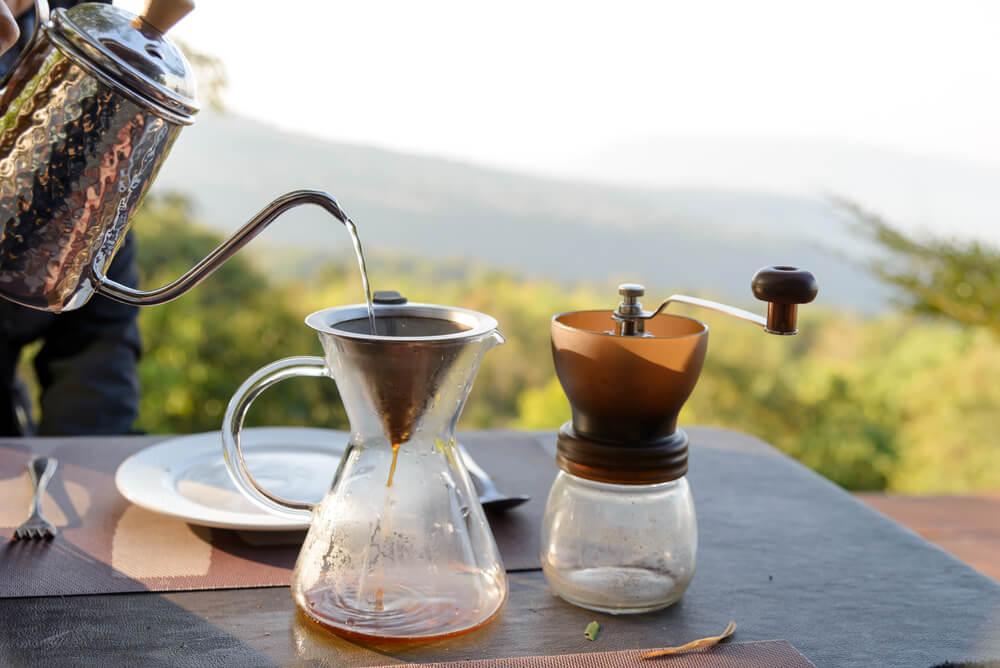 ドリップ式で淹れられたコーヒー