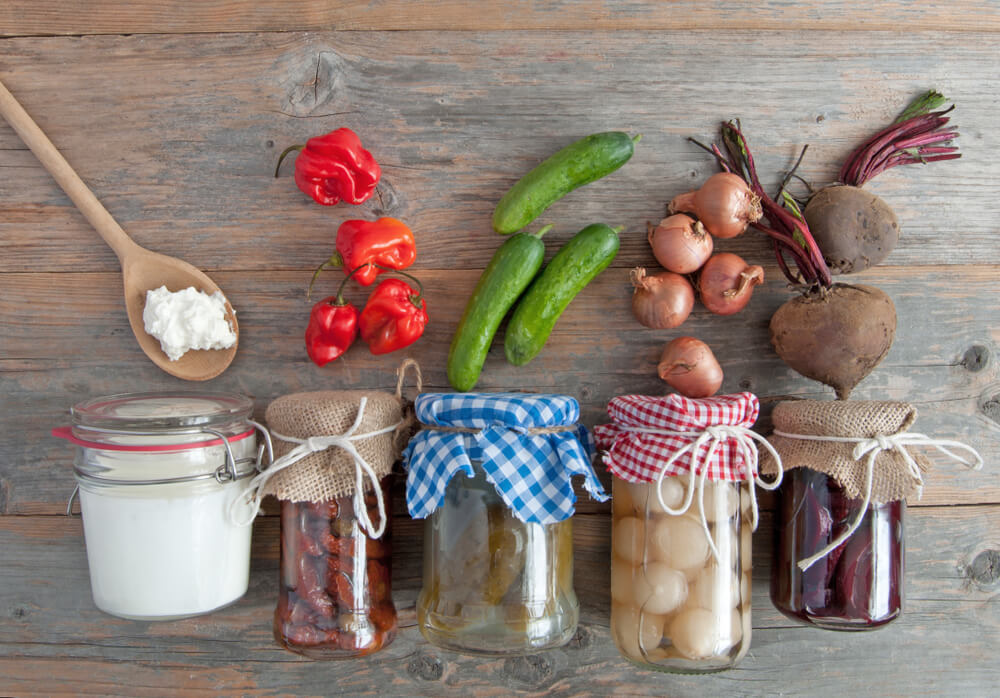 瓶に詰められた発酵食品