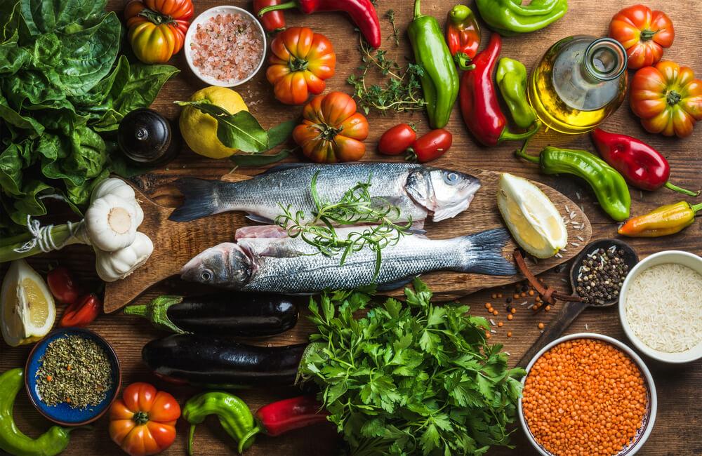 魚や野菜類などの地中海食