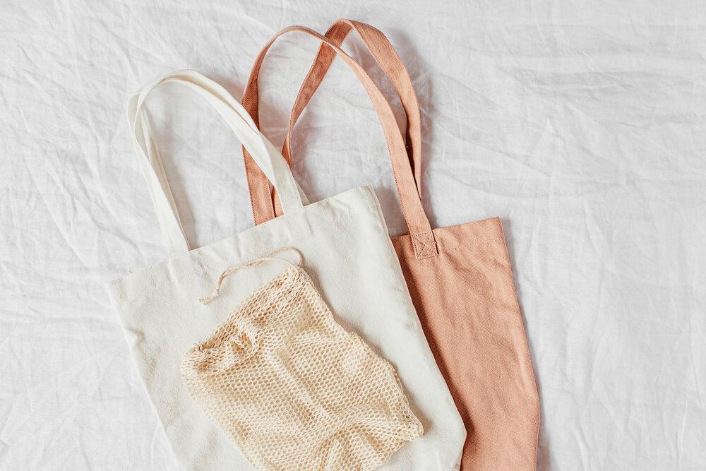 エコバッグと小さい袋