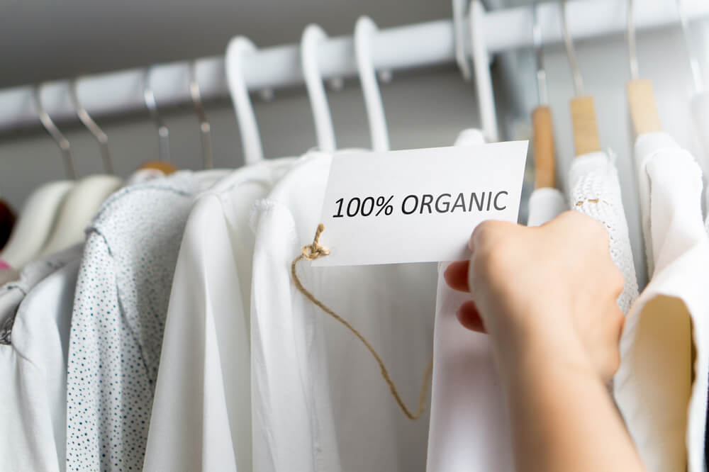 オーガニック素材100パーセントの衣類