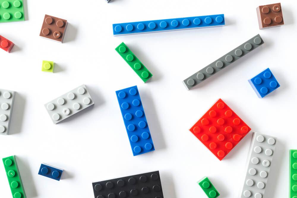 カラフルな小さいブロック