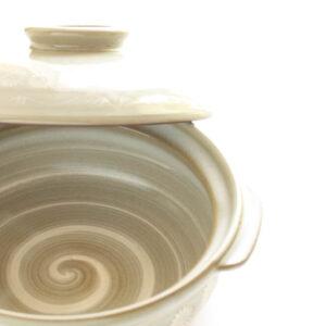 ダイソーの土鍋が可愛くて使える♡はじめのお手入れや一年中活躍するレシピも紹介