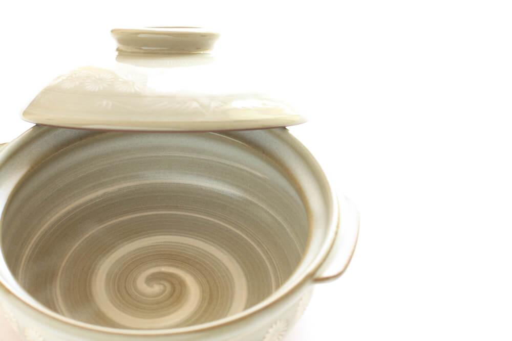 蓋が開いた土鍋