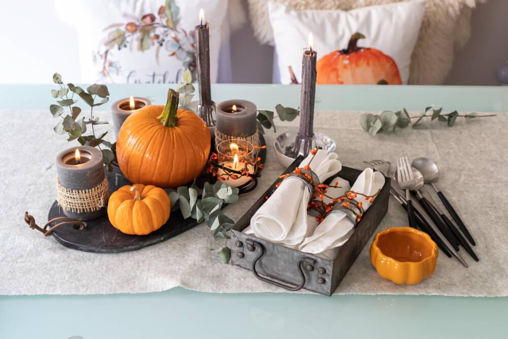 ハロウィン仕様に飾られたテーブル