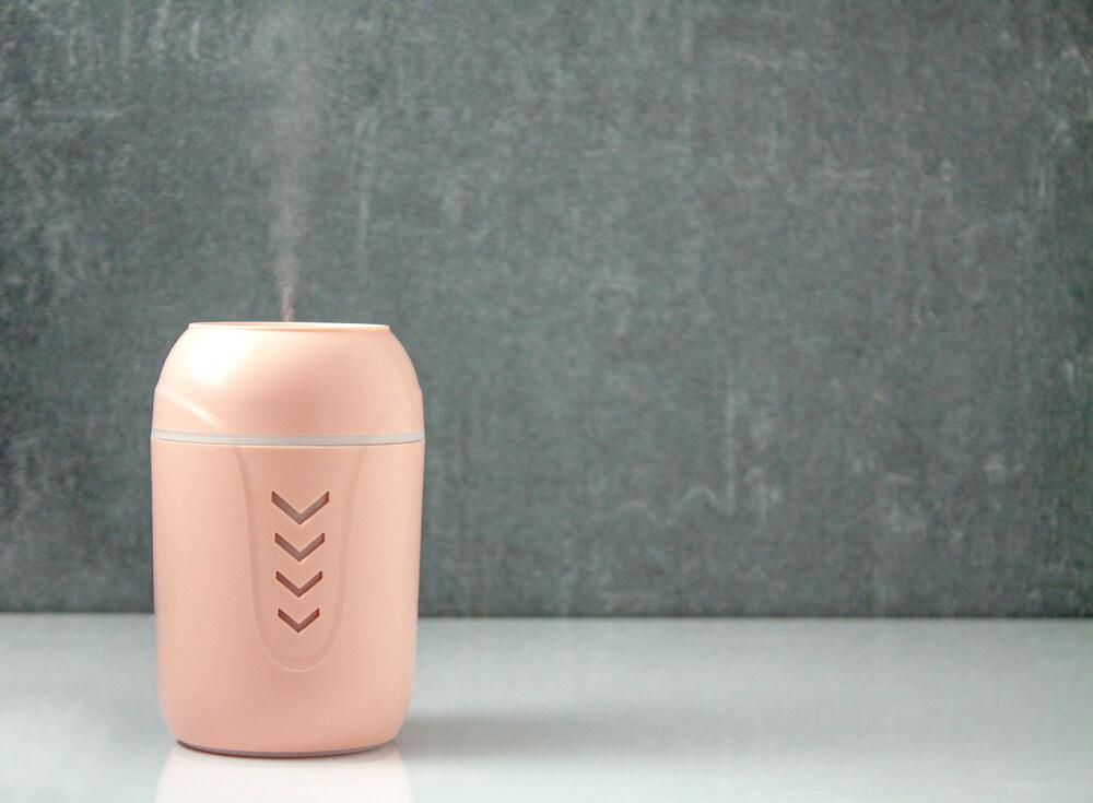 ピンク色の加湿器