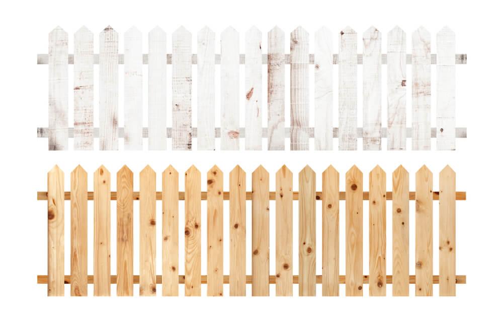 白と茶色のガーデンフェンス